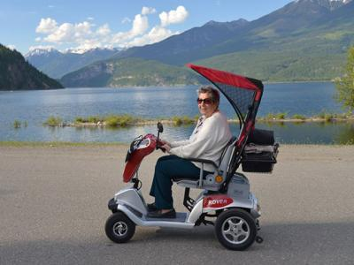The Advantages to Owning a Folding Mobility Scooter